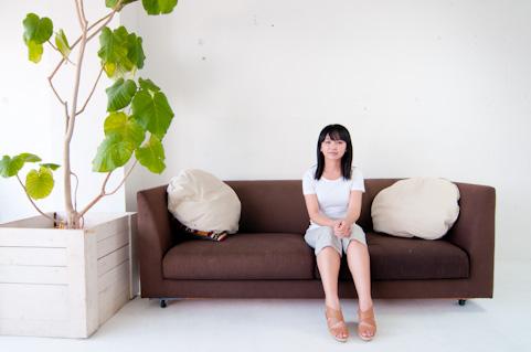 リサイクルショップの綺麗なソファ